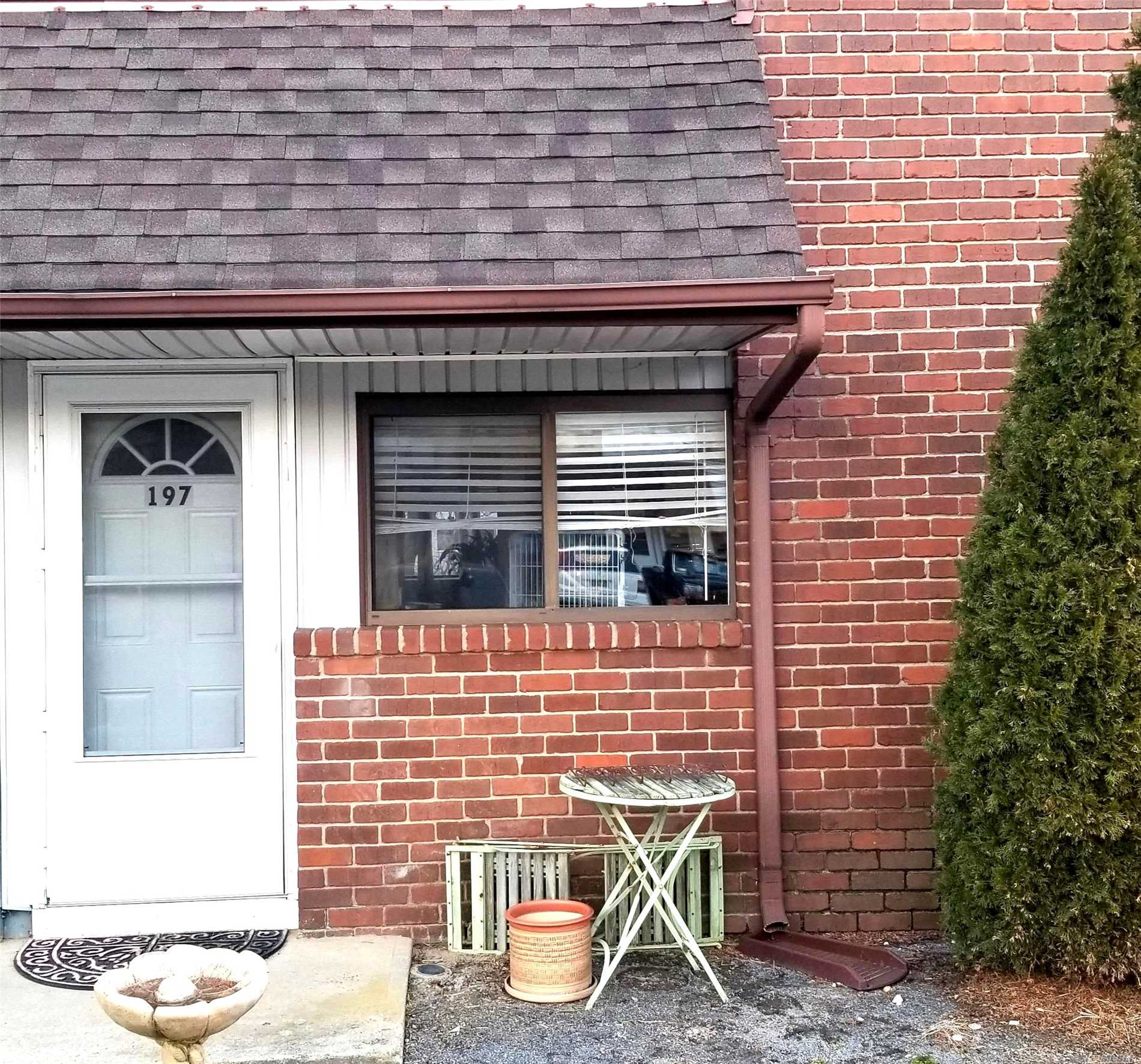 Lots of natural lighting in this spacious 2 bdrm, ground floor corner unit in North Isle Village. Beautiful updated kitchen w/new appliances. Taxes, heat, gas, landscaping, trash, snow removal, and use of all amenities (clubhouse, gym, tennis, basketball and inground pools) are included in maintenance fees!!!!!! Parking lot soon to be repaved. Community center pools recently remodeled.  Conveniently located to major highways.
