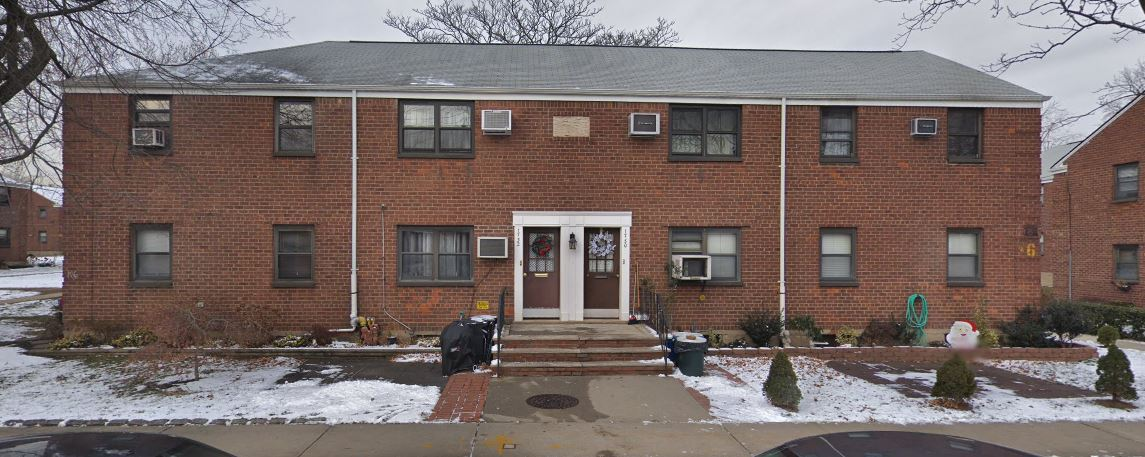 Clearview Gardens 1 Bedroom Apartment For Sale! This Upper Unit Features Spacious Living Room/Dining Room, Kitchen, And 1 Full Bathroom. Hardwood Flooring Throughout. Must See!!