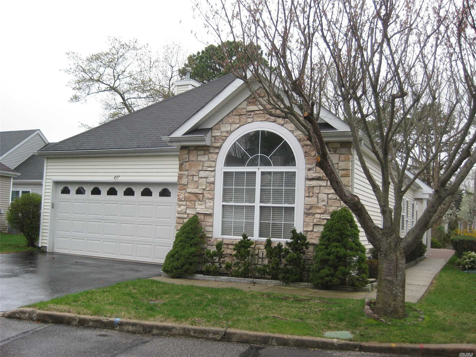 Well maintained and desirable Maidstone Model, 2 car garage, LR, DR, Den, EIK, MBR suite with whirlpool tub, laundry rm, large patio w/ elec awning, open floorplan, Clubhouse, pool and many other amenities Taxes were never grieved!