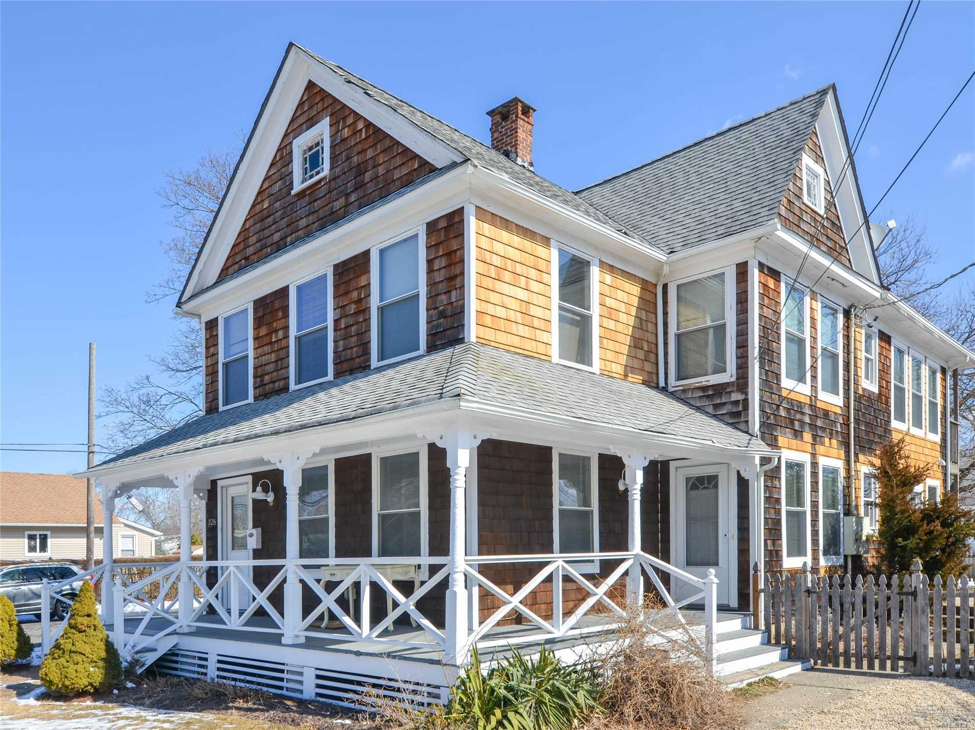 Lovely and bright living space, 2 beds, 3 bath ground floor apartment in the heart of Greenport. Close to beach, town and restaurants. An exceptional North Fork space just a Jitney ride away.