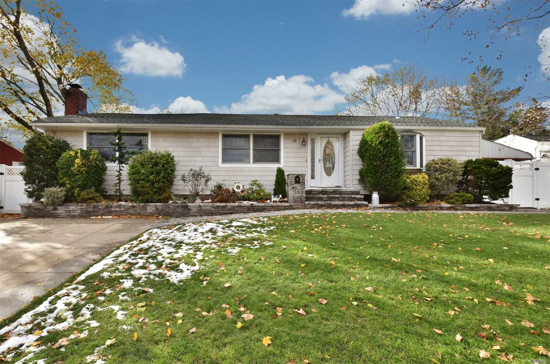 Beautiful Spacious Expanded Ranch in Commack SD! Large LR w/ Fireplace. Formal Dining room just off the eat-in-kitchen. Master bedroom w/ full bath. Office leads Out To A Gorgeous backyard w/ heated In-Ground Pool. Finished basement too! Updates Include: Cac(7Yrs), Andersens, Roof(5Yrs), Siding(5Yrs), Doors, Pool Liner And Pool Stairs (5Yrs), Pool Heater(3yrs), Paver walkway and front steps (3yrs), PVC gates and fence (3yrs), Refinished H/W, and Newly Painted w/ mouldings. Must See!!!