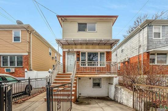 Nice One Family Detached House, R3A Zoning, Finished Basement with Separate Entrance. Private Lot. Close to Parks & Hospital. 5 Minutes Walk To Supermarket, 2 Minutes Walk to Buses. Great Location. Won't last!!!