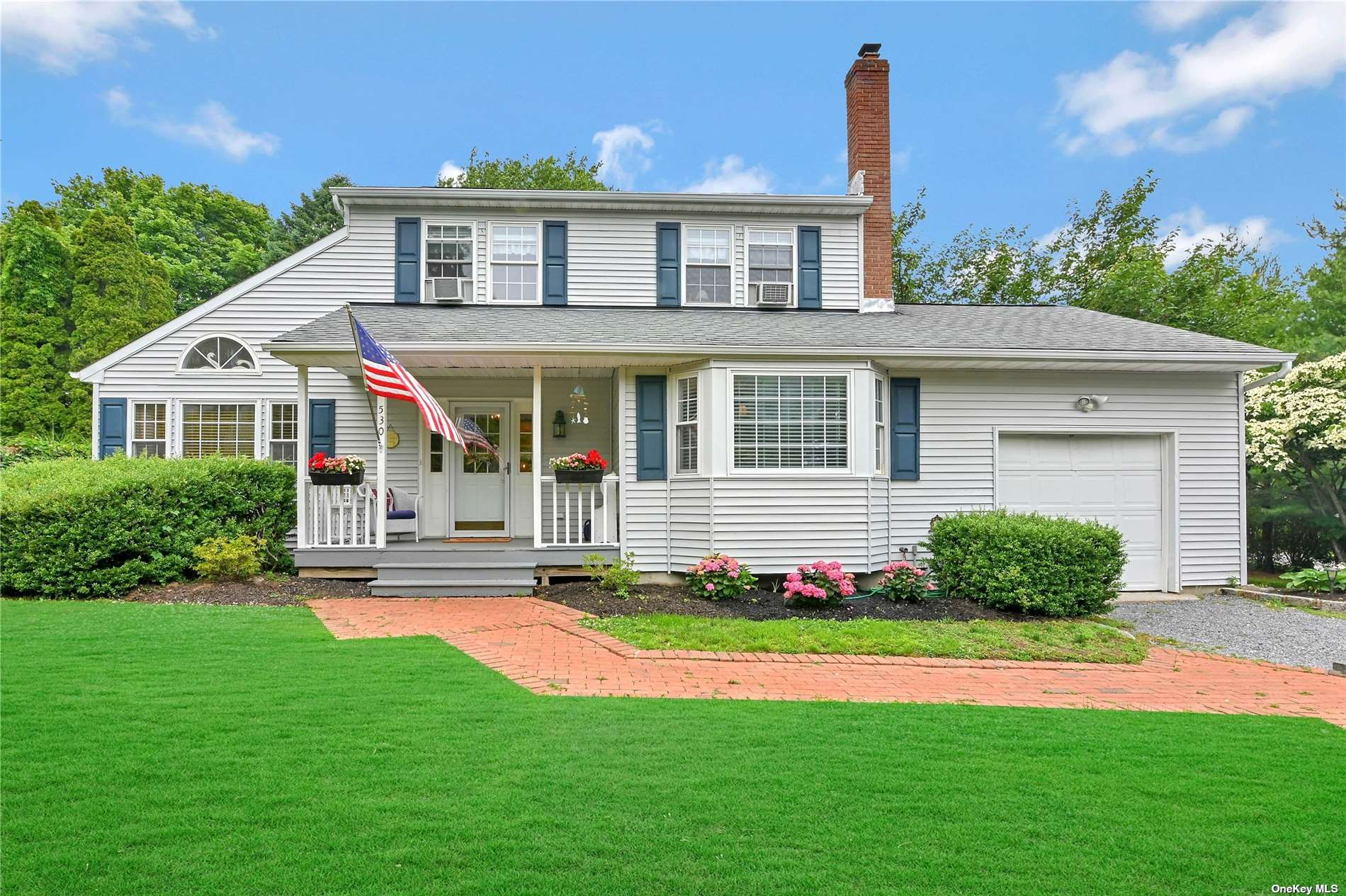 Summer getaway with an in-ground pool and close to beach. In the heart of all the North Fork has to offer. Seasonal rental, weekly price with a 14 night minimum