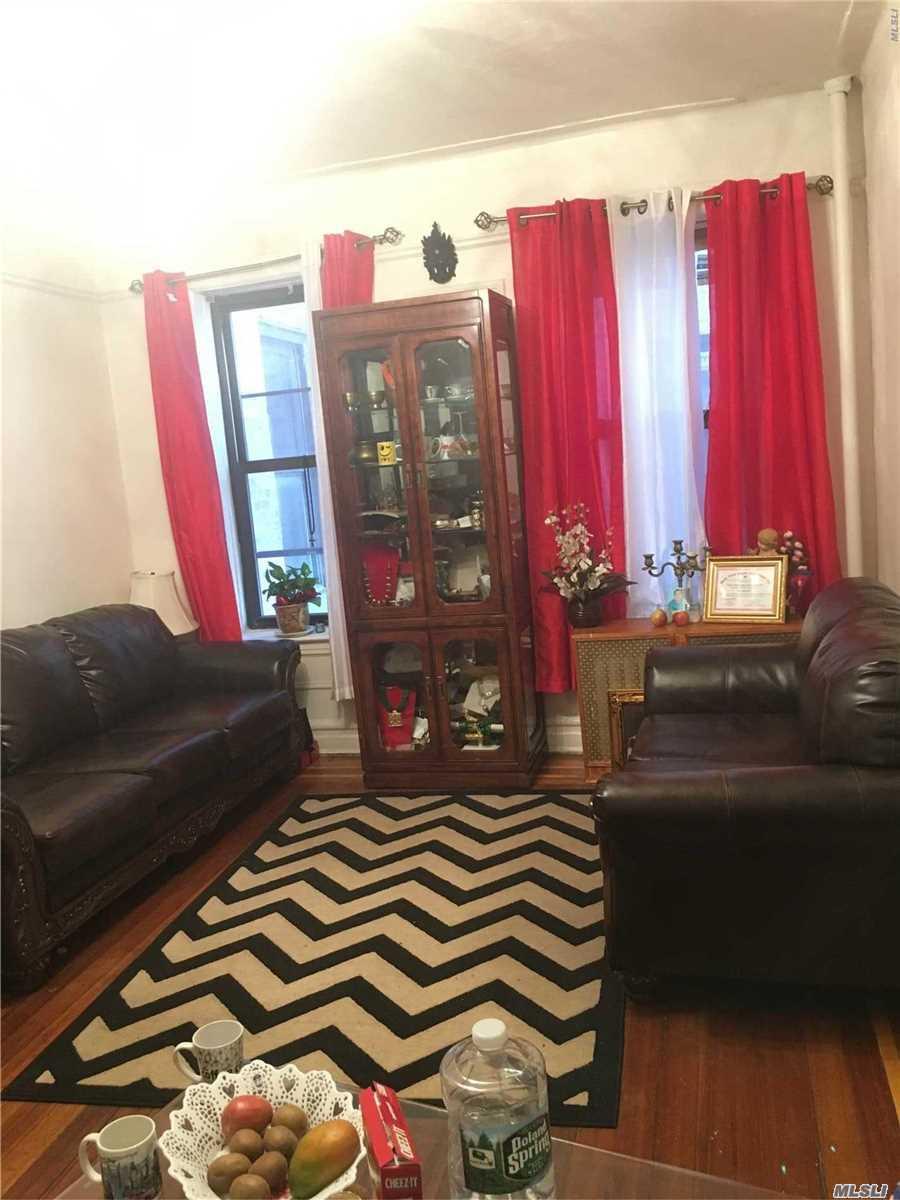 Beautiful One Bedroom Condo.
