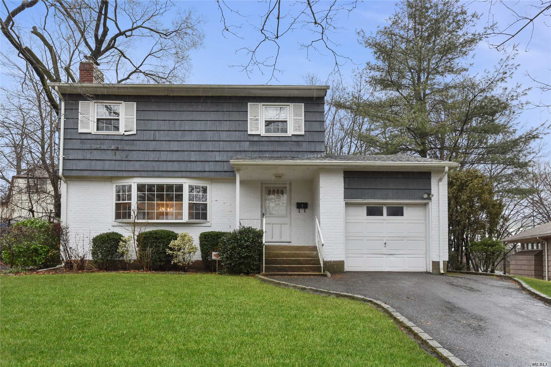 Great Neck/Thomaston Village/Up The Street From The Lirr/Side Hall Colonial/Generous Room Sizes/Sunny E + W Exposures/Clean + Ready For Your Family/Baker Or Saddle Rock/S Or N Options/Access To Parkwood Pool Complex + Stepping Stone Park/Near Town + Northern Bld For Easy Bus Transport/Everything Good To Make This A Lovely Home/Nice Backyard/Unique Irregular Lot/You're Invited To Visit + Fall In Love/