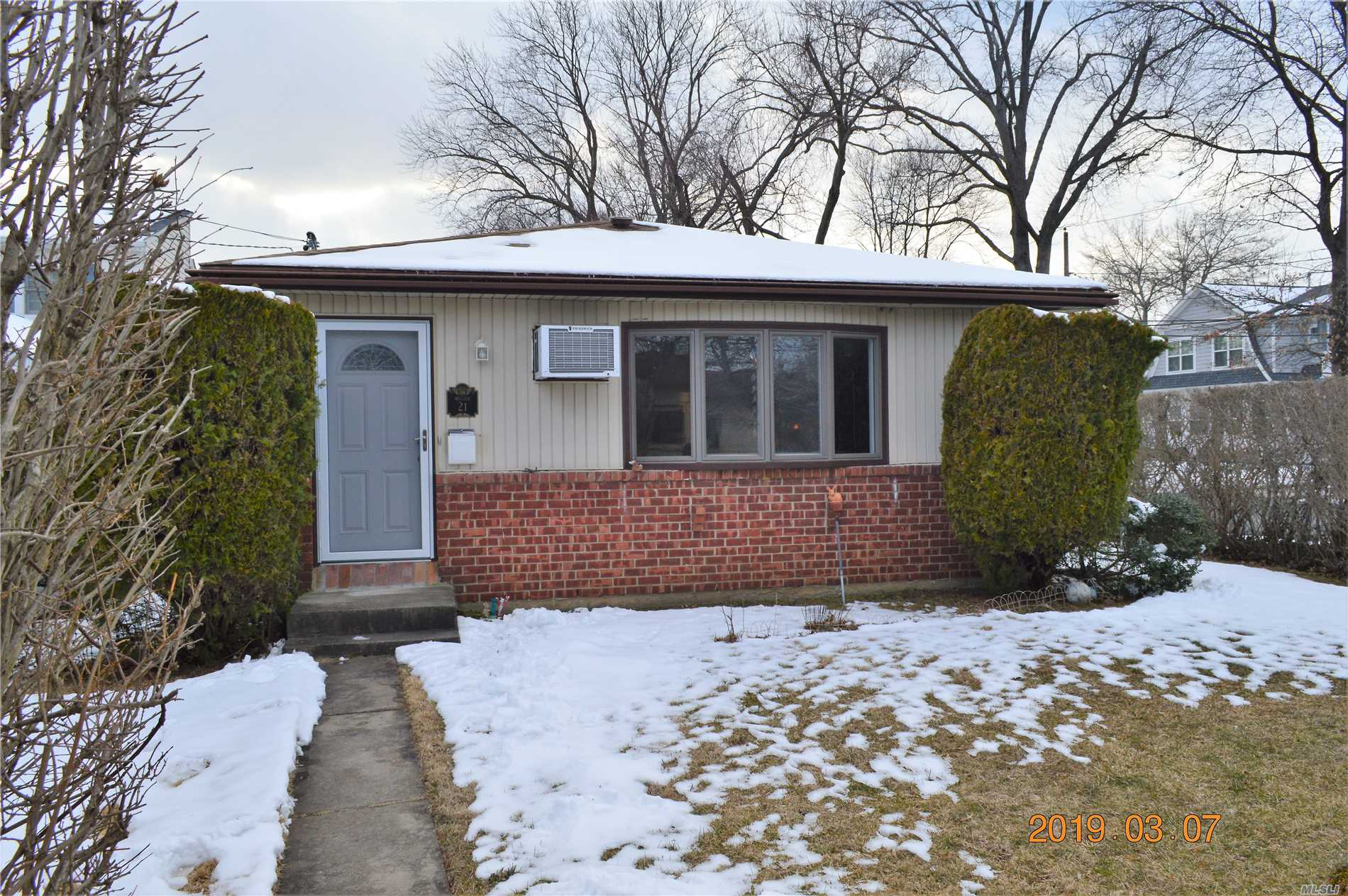 Description: Move right in with a renovated kitchen, 2 new baths, walk-in closets, IGS, new gas heat, new electric 220/200, wood floors, fenced in property, full basement
