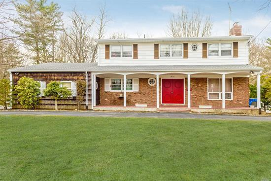 glen cove colonial on cul-de-sac location in dr.s' row area, secluded backyard. convenient to all. approximately 3/4 mile to train station.