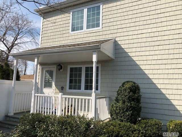 Almost New 2nd Floor Apartment, Cac, Bright And Spacious!!!! Lrm, Drm, Eik, Master Brm, Huge Walking Closet, Master Bath, 2 Brms, 1 Full Bath, W& D