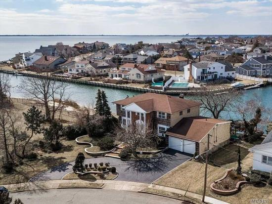 REDUCED! Submit All Offer! Waterfront! Best Buy! Seller Will Dredge Canal! Prestigious Bar Harbour 5Br, 3Bth Georgian Colonial! Captivating Views Of Open Bay & Breathtaking Sunsets On Protected Canal! The Largest & Most Spacious Colonial Built In Bar Harbour! Entry Foyer, 27Ft LR, Grand Fdr, Updated Eik/Granite Counters, Family Rm/FPL, Bsmt, 2 Car Gar W/Circ Drvwy On Ovrszd Prop! Mbr W/Awesome Views Of Bay/Mbth/Wlk-In.Roof 5Yrs, Cac 4Yrs, Deck 6Yrs, 200Amp Breakers&Sub Panel For Generator, Security System