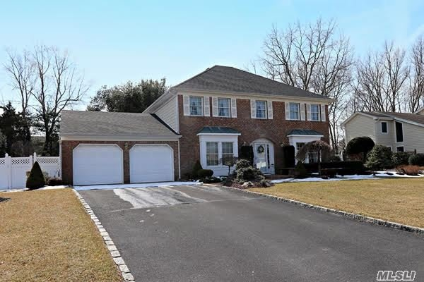 The True Meaning Of Pride Of Ownership. This Beautiful Estate Colonial Is Well Manicured And Immaculate! Stellar Mid Block Location. Wide Streets And Beautiful Curb Appeal Makes This Development One Of The Most Popular In Commack. Substantial Upgrades Inc: New Gen, Young: Siding, Windows, Roof, Pavers, Pool heater, Liner, Central Vac, Appliances, Fence, Cac, Stone WL Around PL, Alarm System, Garage Doors & More. This Is A Very Special Home That Is Move In Ready Or Can Be Taken To The Next Level.