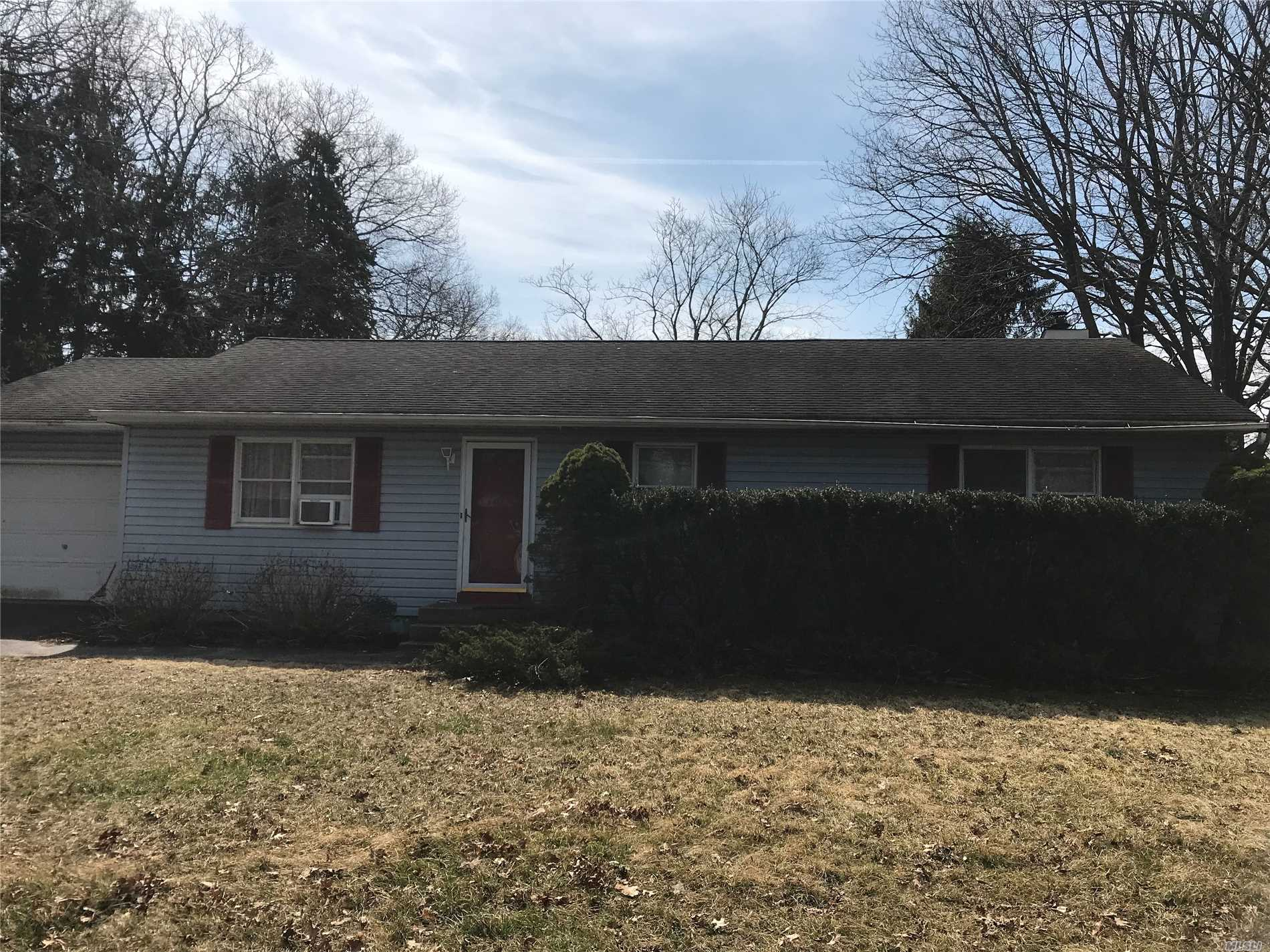 Excellent Opportunity To Purchase A Great 3-Bedroom Home. Don't let the looks be deceiving great flowing home large rooms. Roof 8 yrs old.