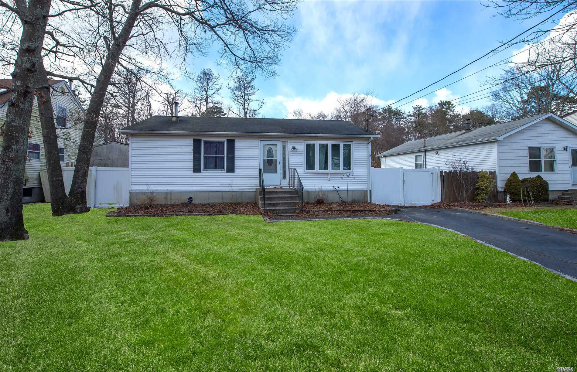 Looking for a Cozy starter home? Look NO MORE! This charming 2 bedroom w/ WIC, Spacious bath, Big EIK, Stainless steel appliances, New Porcelain tile and Hand Scrape grey floors. Huge basement with New Carpet. Fenced in backyard w/ a semi inground pool. This is a home you want to see.