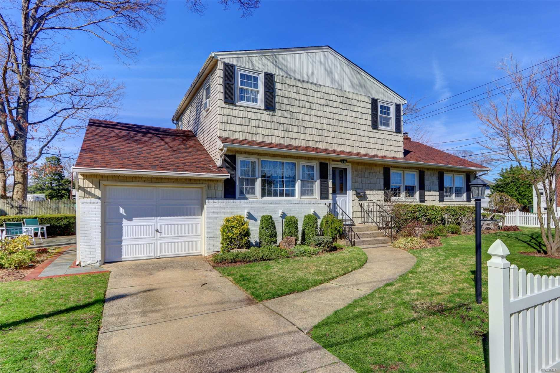 Fabulous 3 Bedroom Expanded Ranch In The Heart Of Massapequa Park. This Great Home Features Very Large Master Bedroomon on Main Level, office, Full Bath, Eat-In-Kitchen, Dining Room, Living Room. Upper Level - 2 Full Bedrooms, Full Bath, Huge Walk In Closet. Newer Roof & Heating System, Massapequa Schools, Mckenna Elementary. Bring Your Own Personal Touch To This Diamond In The Rough!