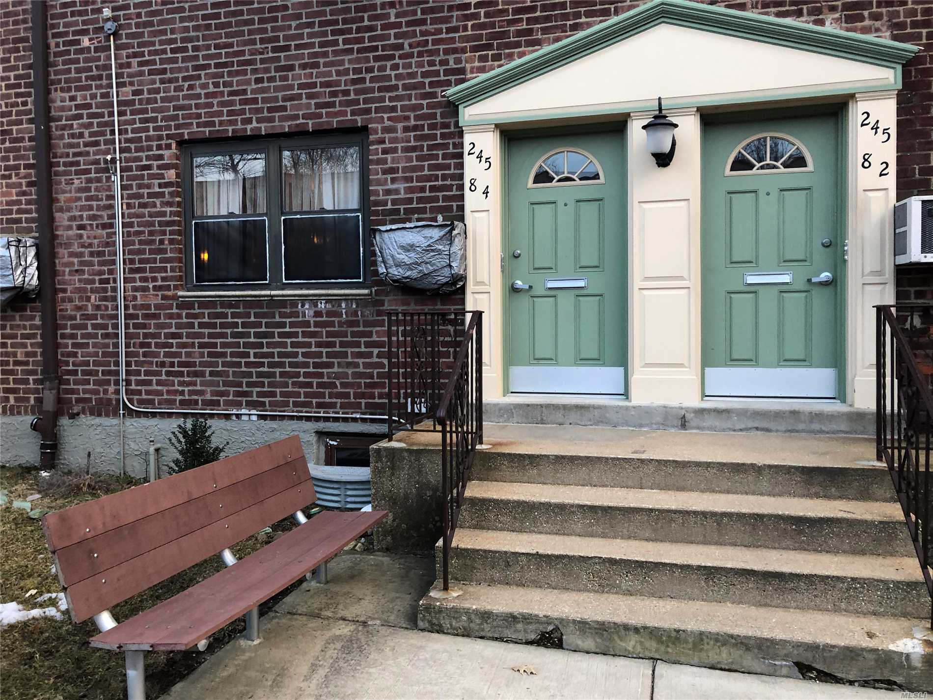 A beautiful 2 BR well kept co-op with a new kitchen and bathroom. Hardwood floors. Near by public transportation, access to all LI highways and shopping centers. Ground floor access to laundry nearby, 1 parking spot and storage. Options to purchase a garage space for 75$ additional fee.