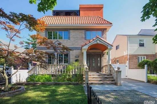 Prime Location, Close To All, Sb#26, Building Size:26*46, Front 1st Floor Duplex W 2nd Floor & Connect W Basement & Direct To Roof Garden Terrace. 2nd Family In The Rear Of 1st Floor Has 2 Brs And 2 Baths Apartment. Beautiful Back Yard,