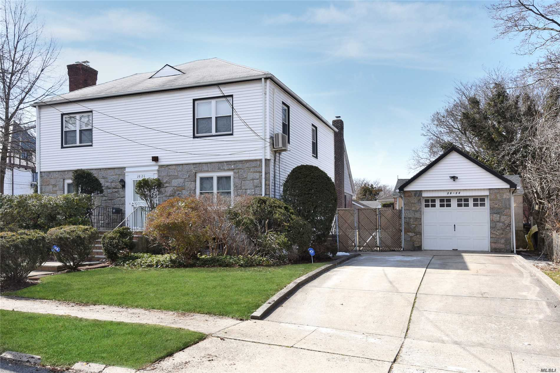 Elegant Center Hall Colonial In The Heart Of North Flushing. 3-4 Beds, 2 Baths, 2 Half Baths. Great For Entertaining, Nice Living Rm & Formal Dining Rm Plus Home Office With Sep/Ent & Den, Large Eat-In Kit , Detached Garage With Wide Driveway, Windowed Basement, Alarm System. Excellent School District: Ps32, Is25 & Francis Lewis High School. Short Walk To Bowne Park, Shops & Lirr. 30 Minute Commute From Nyc.
