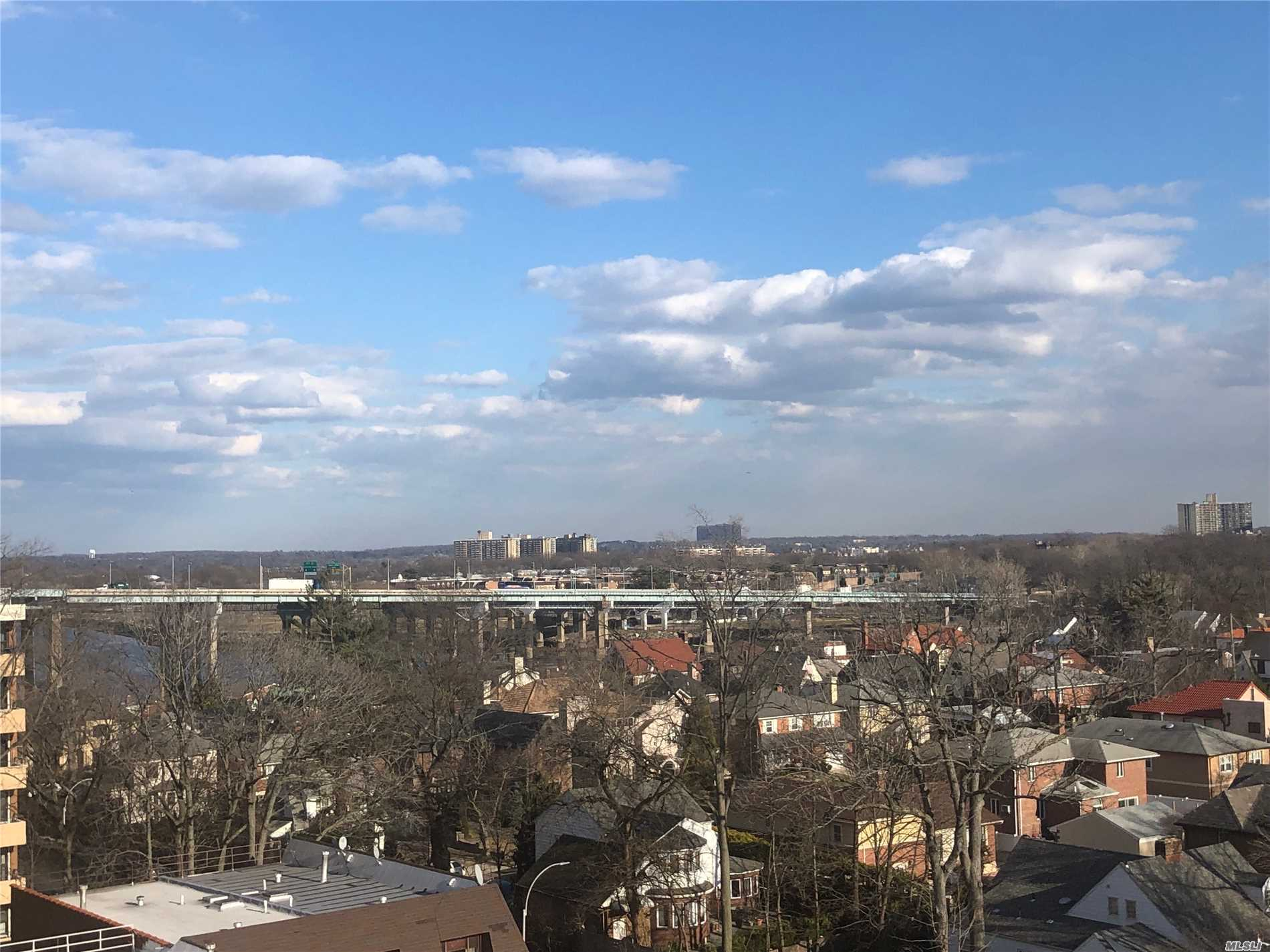 Penthouse---Open panoramic views...ultra bright...Slate living room floor..Euro kitchen with granite and stainless steel app. Modern bath...flat ceilings ...wood floors in bedrooms Enclosed terrace...prime parking avail for transfer