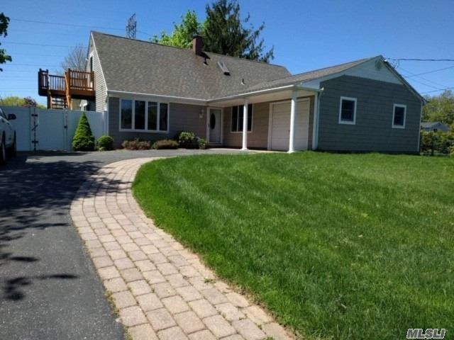 FARM RANCH, DUCTS FOR CAC, ANDERSON WINDOWS & SLIDER, NEWER ROOF & SIDING, SS APPLIANCES, NEW SIDE STEPS, UPPER BEDROOM HAS INSIDE & OUTSIDE ENTRY, POSS M/D W/PROPER PERMITS
