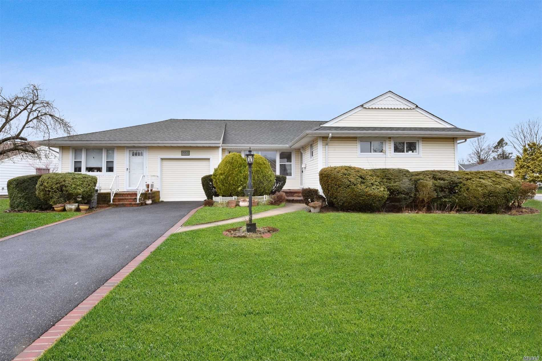 Corner Ranch With A Professional Office. Excellent Property For a Doctor, Attorney, Or Any Office Professional. Bright, Large 3 Bedroom And 2 Bath Ranch In Wantagh. Conveniently Located Near Shopping, Restaurants, LIRR, Bus And Schools. Low Taxes. Excellent Condition. Schedule A Showing Today!