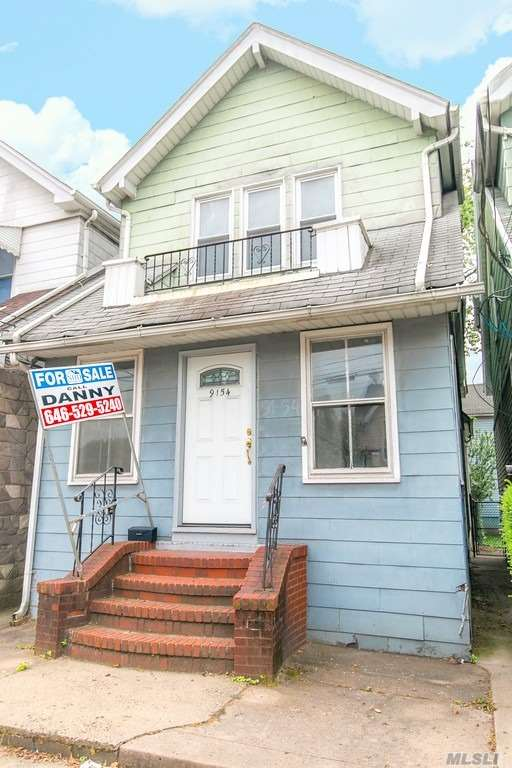 Vacant and ready to go. Close to Buses, J & Z Train Lines. Walk to Laundromat, Supermarket, Restaurants and more. Priced for a quick sale. Easy to show.