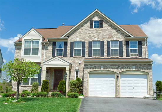 Great Renovated Colonial In The Desirable Syosset Schools, Huge Lot Size 67 x 175