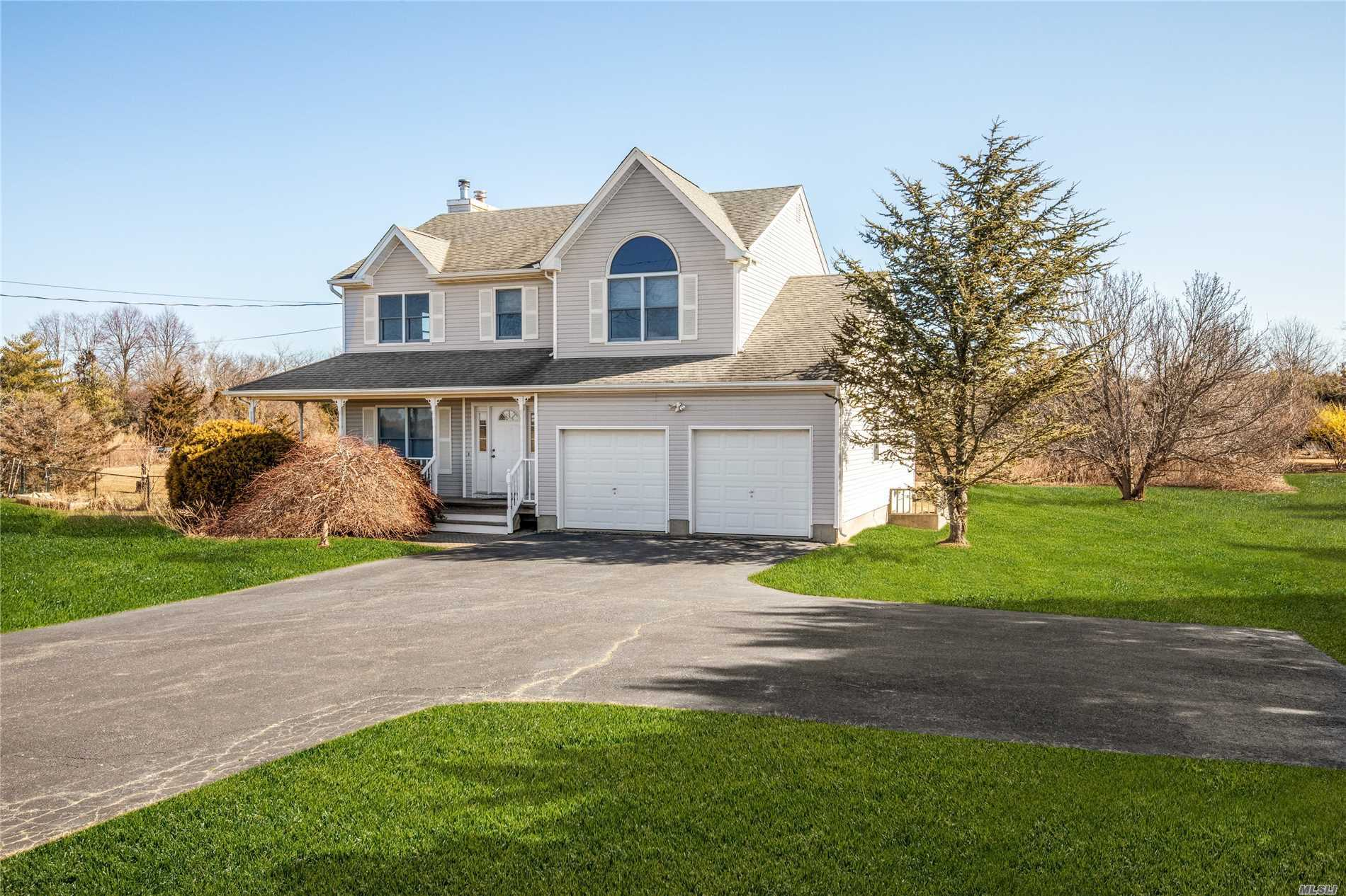 Perfect Family home, 4 br, 2.5 baths, Open Floor plan, family room with fireplace, kitchen nook, formal dining room. MBR ensuite, full basement, outside entrance, shy acre, room for pool. Westerly facing, sunsets galore over Farmland. This is a must see listing.