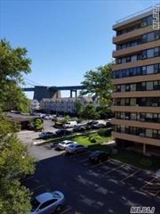 Beautiful Eastern Exposure 3 Bedroom Apartment On 4th Floor w/ Balcony and Bridge Views. Recently Renovated w/ Hardwood Floors, smooth sealing stainless steel appliances, and washer or dryer on each floor. Le Harve offers amentites such as gym, club house, pools, and tennis courts. Parking Spot Available. A Must See!!