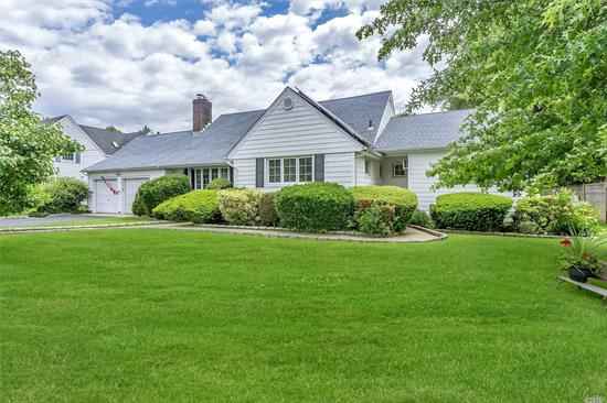Mini-Estate In The Heart Of Old Harbour Green, One Of A Kind 4 Bedroom Farm Ranch On 20, 000 Sq. Ft. Lot! Filled With Grace And Charm, Appox. 3, 000 Sq. Ft. Interior, Cherry Wood Cabinets, 2 Fireplaces, Parkay Floors, Formal Dining Room, Great Room, Enclosed Sun Room Off Master Br, Finished Basement, 2.5 Car Garage, 5 Zone Gas Heat, The Yard Is A Park On To Itself, 200 Ft. Trex Deck /Electric Awning, Over Sized Ig Pool (20 X 40), And Low Taxes!!