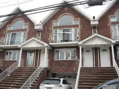 26 school dist, Near LIRR, Northern Blvd and PS 94, about 10 steps up 1Floor 3Bed 2Bathrooms, hardwood floors
