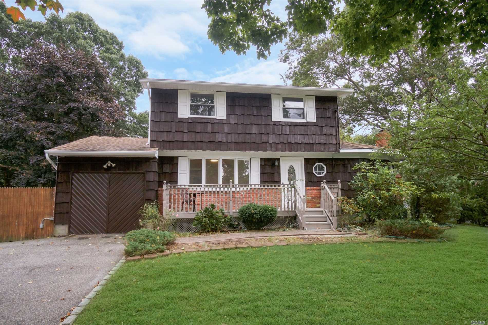 Beautifully Renovated 3 Br 3 Bath House New Kitchen, New Bath , New Floors Cedar wall Jaccuzi bath , Inground pool, Sun room with Hot tub and much more