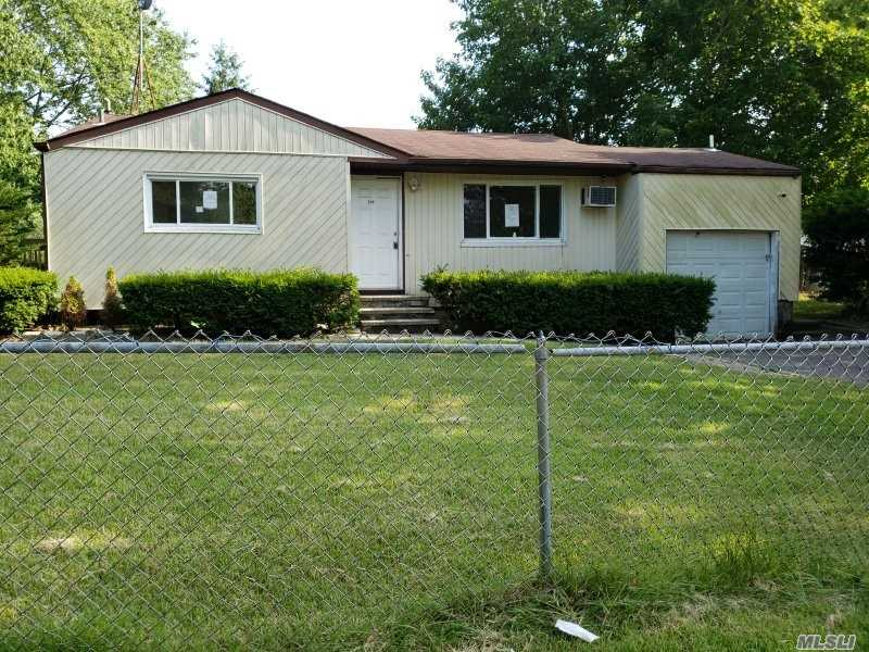 Ranch Style Home. This Home Features 3 Bedrooms, 1 Full Baths, Eat In Kitchen & 1 Car Garage. Centrally Located To All. Don't Miss This Opportunity!