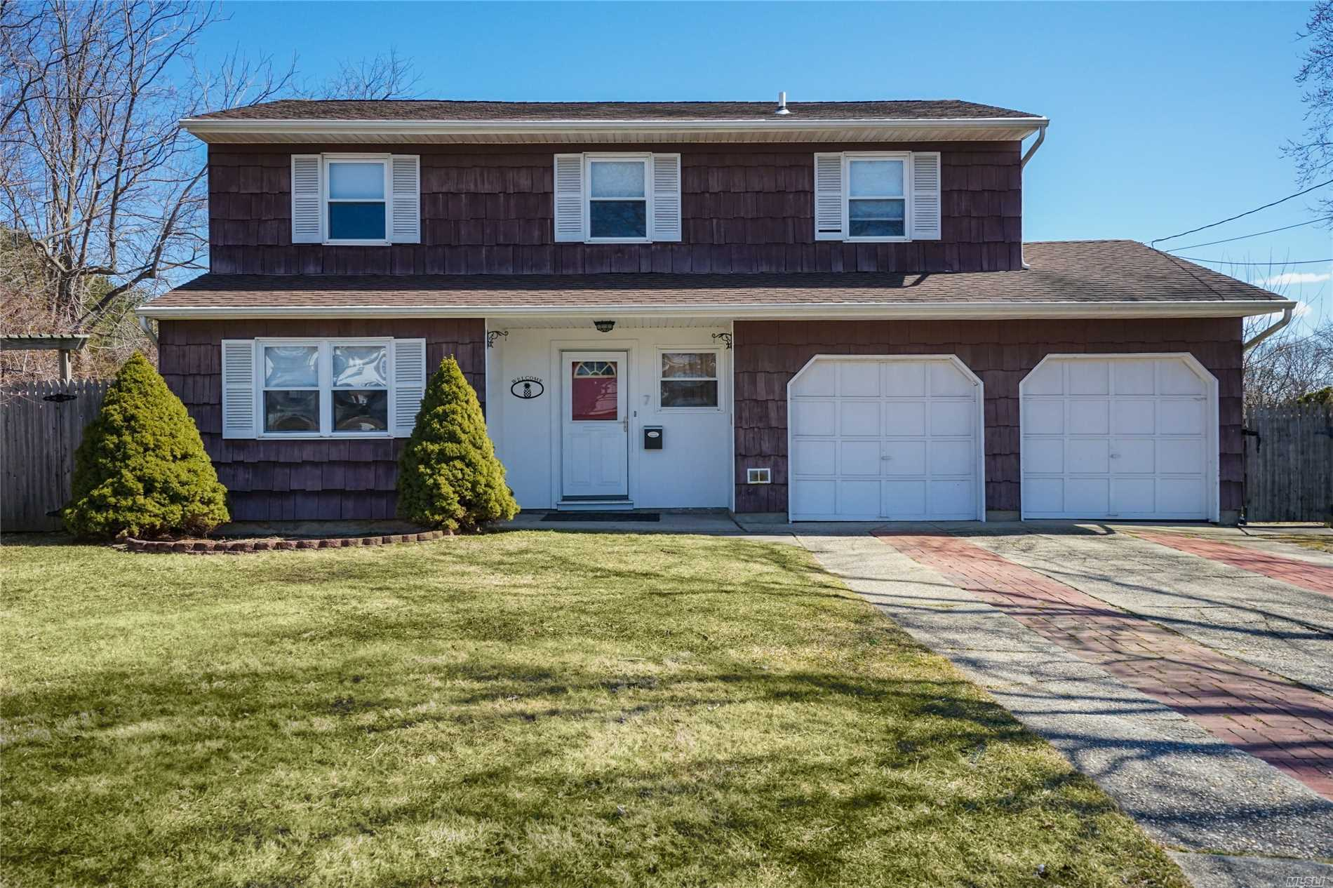 This Great Split/Colonial Style, Is Filled With Updates! New Floors, New Bathroom! Come See This Amazing 4 Bedroom Home ASAP Before It's Gone!!