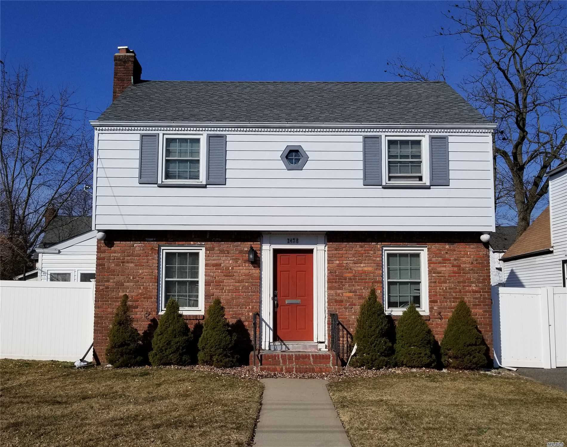Great Colonial Conveniently Located Near Parks, Shopping, Restaurants etc. Large LR with FPL, French Doors To Deck and Yard. Hardwood Floors, Nice Yard, Garage.