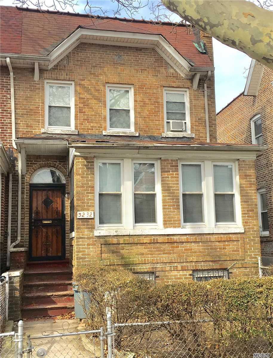 Bright and airy Semi-detached with highly desired mid-block access to separate and private basement entrance. Office/Nursery can easily be converted to a 4th bedroom. 2 car garage with income producing potential. Walk to all transportation and shopping.