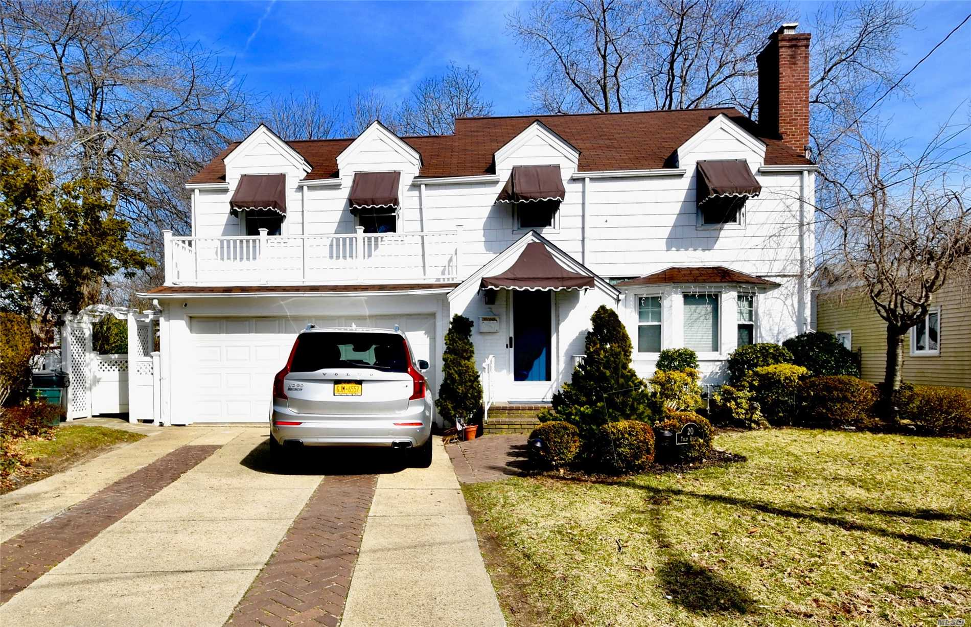 Don't miss out on this great opportunity to own this gorgeous 4 Bedroom 2 1/2 Bath Colonial featuring a Fully Renovated kitchen with a Huge Granite Countertop Island, Hardwood Cabinets and Stainless Steel Appliances. The owner is a Contractor and spared no expenses when he upgraded the home!!! If you need access to the LIRR, this home is FOR YOU!!! It's a 1 minute drive to the train station, or better yet a 5 minute walk as its .3 miles away! IF you drive to work we're close to the SSP as well!!