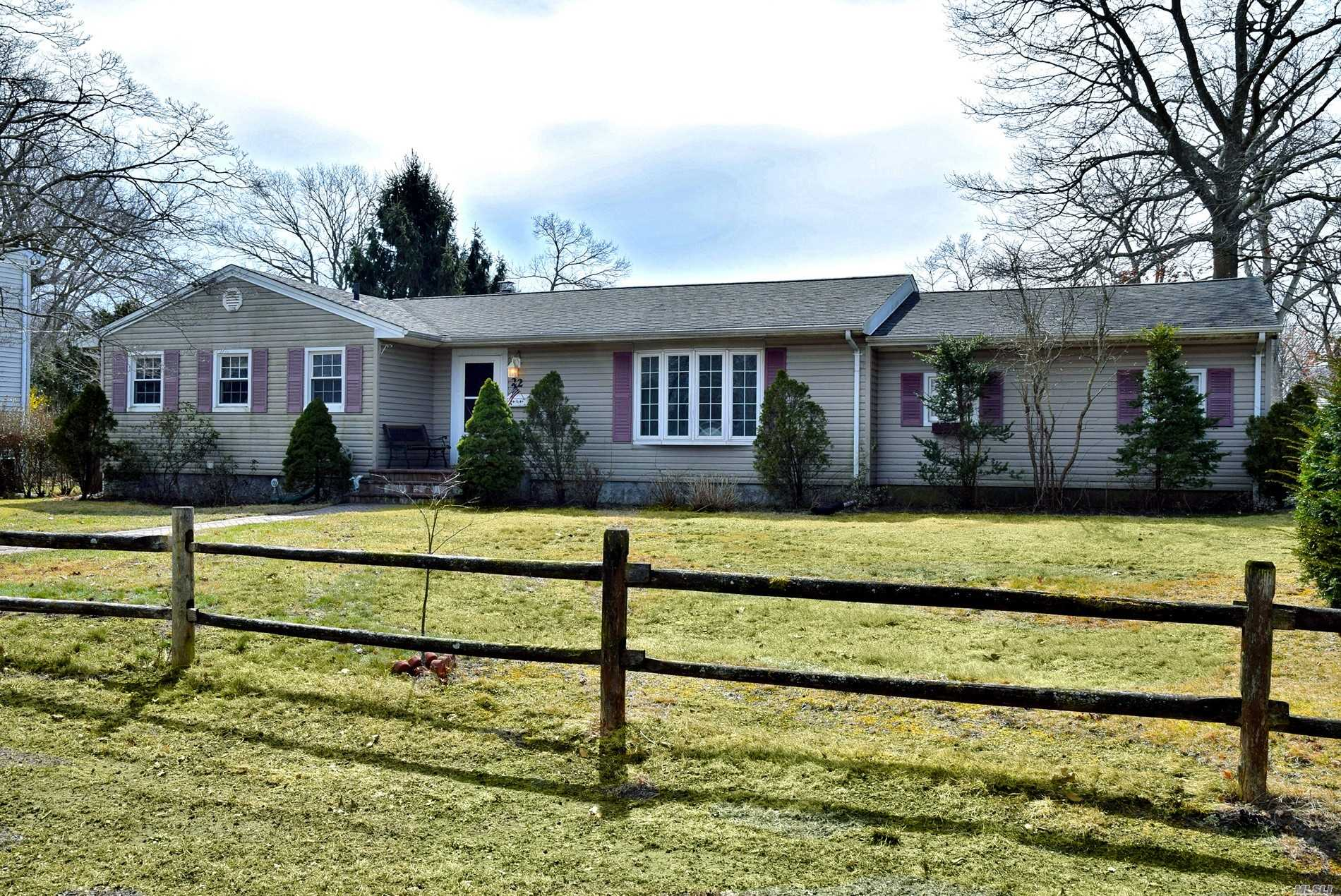 Great Home*Don't miss this opportunity*****Priced to sell Close to all. Shopping *LIRR- Nice corner property LR*DR*EIK* Master BR/w BTH *BR**Full Bth**BR**FULL BASEMENT*HALF BTH* ENDLESS POSSIBILITIES. TAXES*** without the star $7271 and with the star $6301