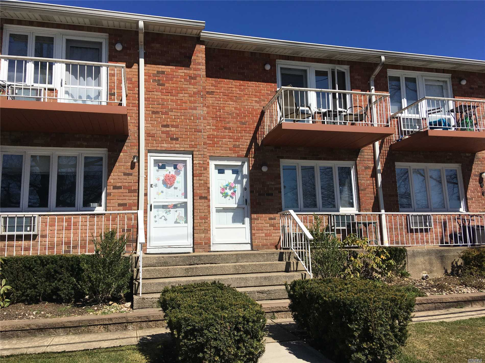 Two Bedroom Garden Apartment Directly Across The Street From Manorhaven Community Park, Beach And Pool.