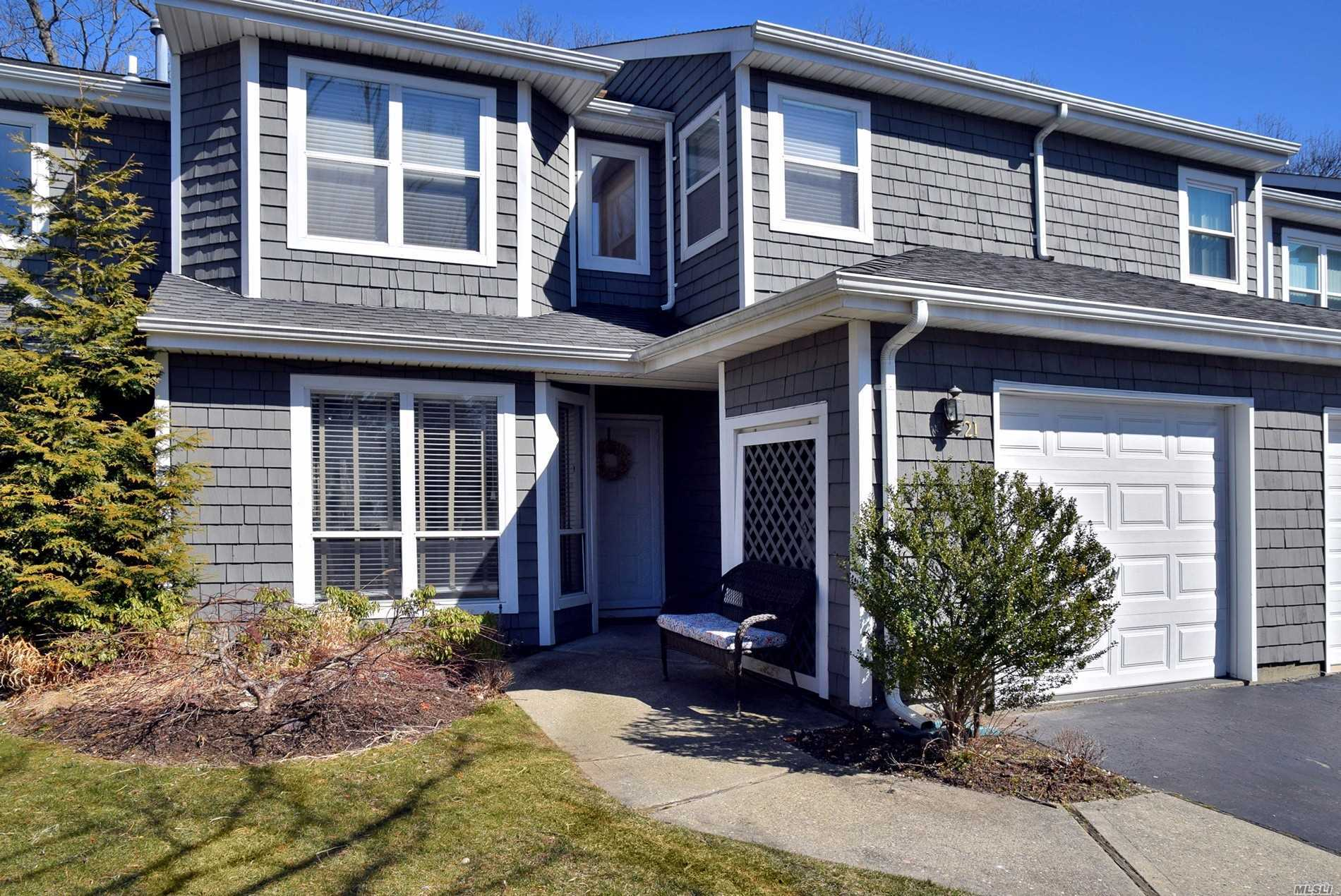 Beautiful, Spacious 3 Bedroom Condo In Gated Community. Formal Dining Room w, French Doors to Patio. Oversized Mstr Bdrm w Beautiful New Bathrm, 2nd Bdrm w Loft, Clubhouse, Gym, Pool, Tennis Included. Close to Parkways, Shopping, Restaurants,  Blue Ribbon Commack SD,