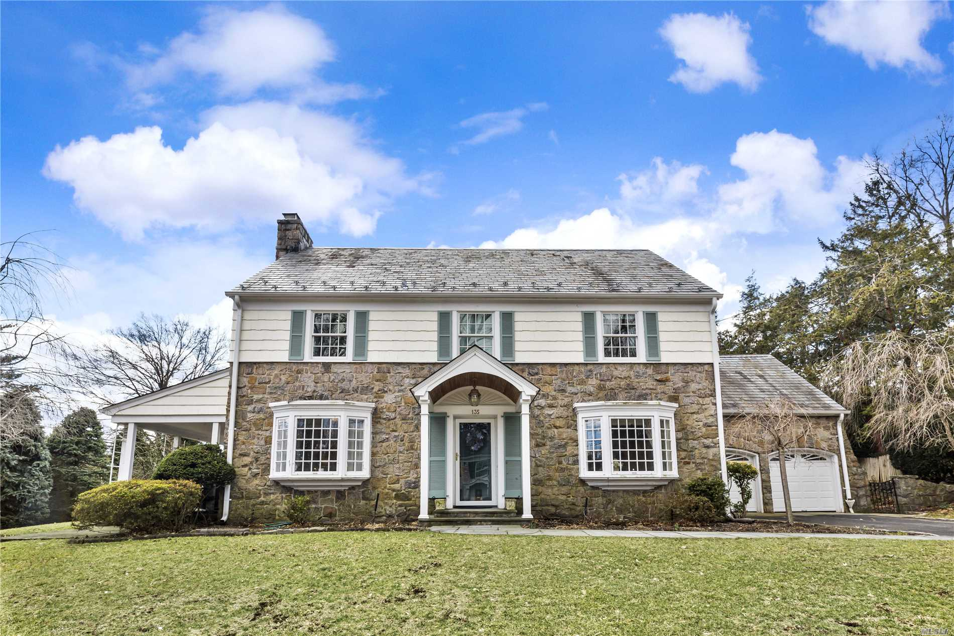 Gracious Munsey Park Chc, Elegant Foyer , Lr & Fdr, Spacious Rooms W/ Beautiful Mill Work. Front And Rear Stairs, Updated Kitchen. New Master Bath, Gas Heating System.Additional Family Room W/Fire Place On Ll, Walk Up Attic, New Anderson Wood Right Windows. A Real Gem