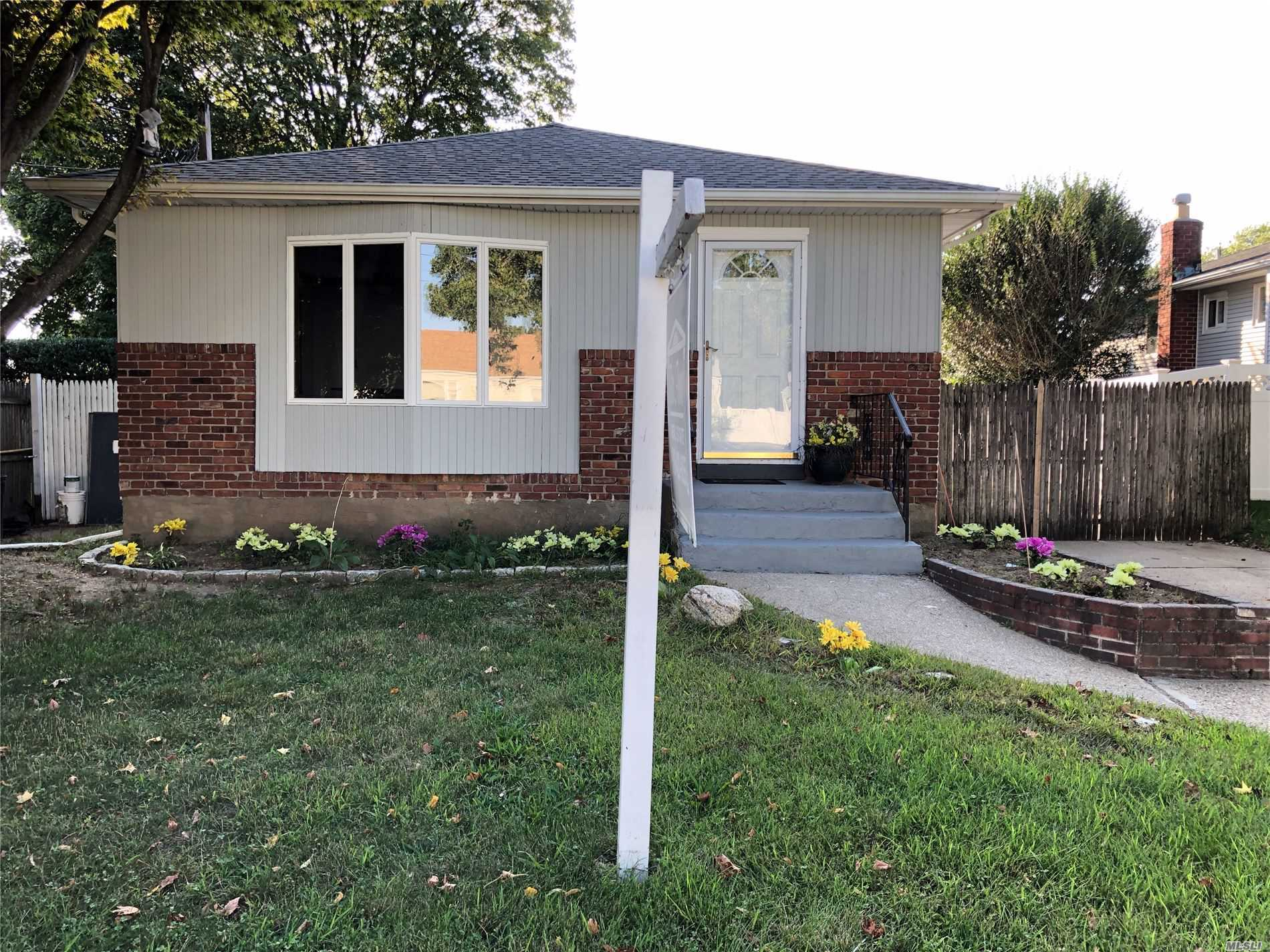 Priced to sell 3 br Updated Ranch close to all.