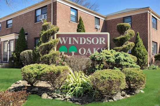 Lovely 2 Bedroom upper corner unit features; renovated kitchen & updated bathroom, bright & sunny, new washer & new A/C in living room & bedroom, hardwood floors, New windows, new front door & attic with pull down stairs. Parking available, Pet Friendly, Security & SD #26.