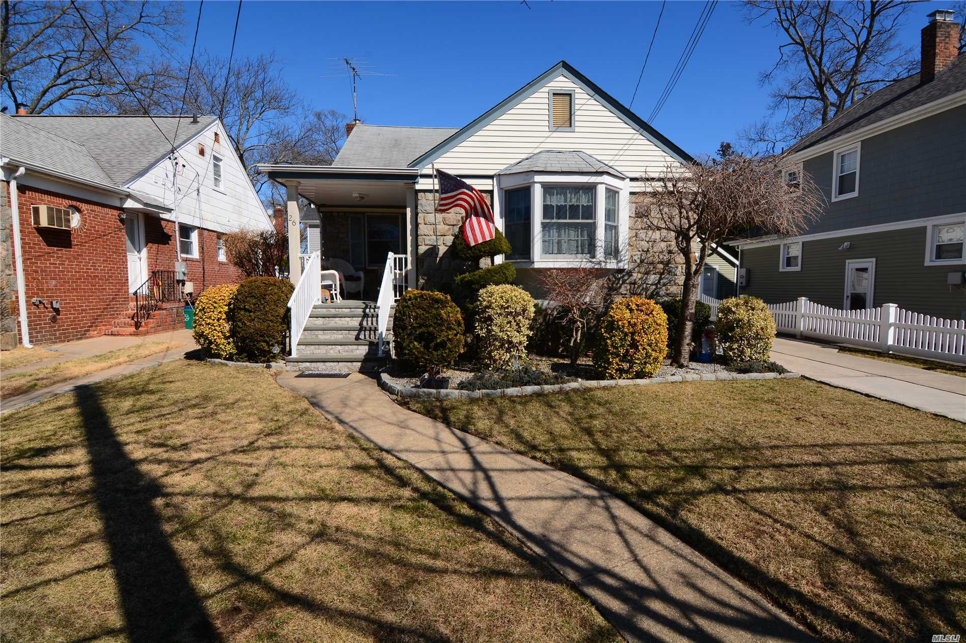 Just Reduced! Beautiful Home, Move Right In!