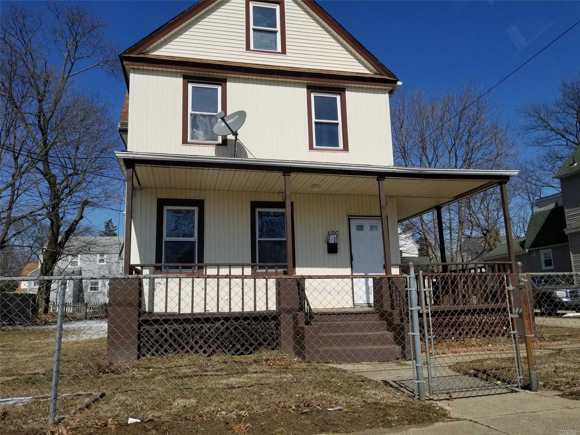 Large Colonial with 8 rooms 4 beds and 2 bath in Freeport with Freeport Schools. Granny Porch, Spacious Kitchen and Bedrooms. Close to Shopping, Transportation and Major Roadways