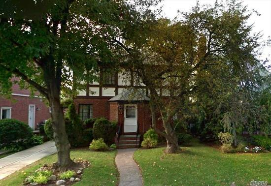 Rare Opportunity Expanded 4Br-3.5Ba, Colonial Tudor With Character & Charm, Convertible To 5Br. 1846 Sqft On 40X100 Lot, 2-Level Legal Expansion With Back Entry Into Den/5th Br. Spacious Semi-Finished Bsmt With Laundry & Ample Storage. Picturesque Tree-Lined Street, Lg Private Backyard, Manicured Front Garden. 4-5 Car Parking. Very Desirable Location In Heart Of Fresh Meadows, Short Stroll To St. John's, Union Tpke, Shops, Q46 Bus To E/F Trains. Highly Sought Neighborhood With Tremendous Upside