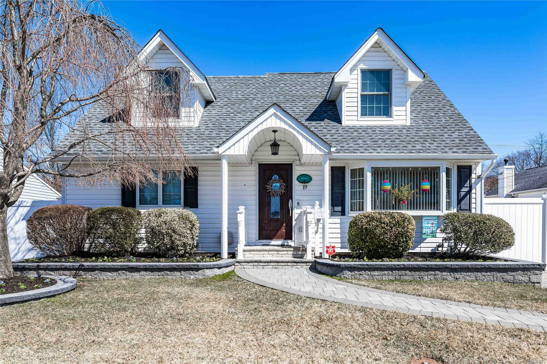 Absolutely Stunning! Pride of ownership without a doubt! Features include cathedral ceilings, open floor plan, finished basement, full rear dormer extension 2016. This one will not last!