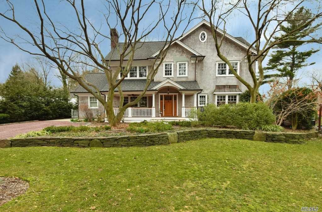 Hamptons living with sophisticated craftsmanship throughout. High-end custom finishes, crown mouldings, trey ceiling, custom kitchen. Designer artistic landscaping. Beautiful lifestyle with reasonable taxes. A dream come true Northport/East Northport SD #4.
