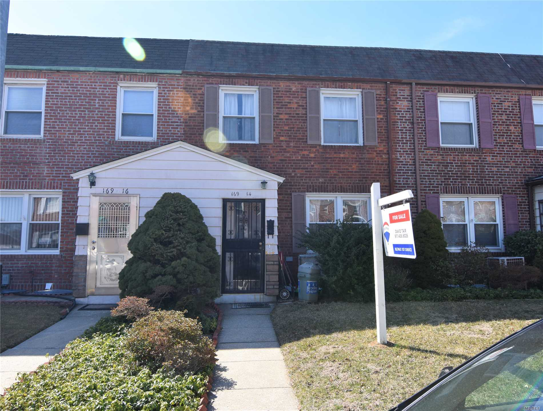 Prime Location! All Brick, 3 Bedrooms One Family Townhouse. That You Have Been Waiting For! Large Living Rm, Formal Dining Rm, Lovely Rear Yard, Fin Bsmt. Gas Cooking. Close To Utopia Pkwy, Francis Lewis Blvd, Shopping, Restaurants & Public Transportation. Excellent School : P.S. 184 & J.H.S. 194 & Bayside High School.