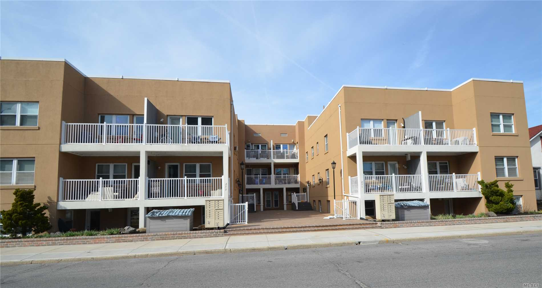 Fabulous ground floor condominium unit offers 2 bedrooms and 763 sf of living area. Walk to the ocean and boardwalk. Rooftop deck with views of the ocean and beach. Monthly common charges includes heat, water, flood insurance and general maintenance.
