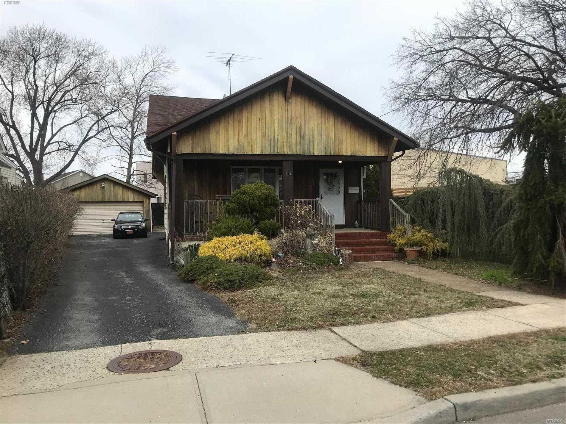 Amazing Opportunity to Get into Lynbrook S.D 20, Priced to Sell Quickly. Perfect Starter Home. Located On a Great Property With Plenty of Room for Expansion. Make This Home your Own! Tax Grievance Has Been Filed.