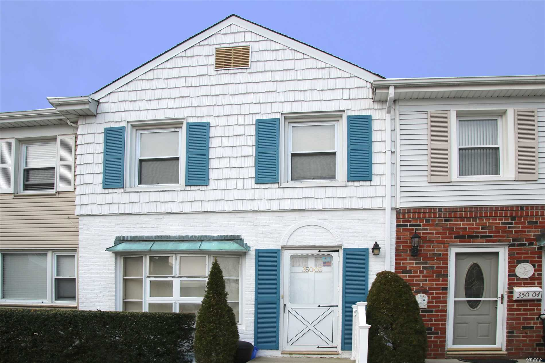 3 Br condo in excellent location - close to transportation, shopping, and many more! LIRR/NYC Trains close by.